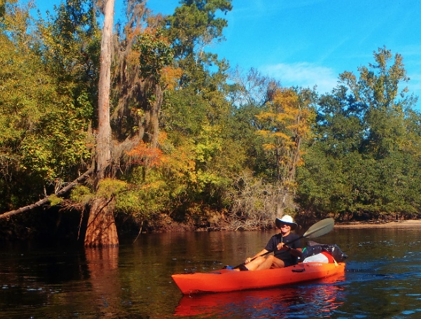 Barry paddling the Suwannee